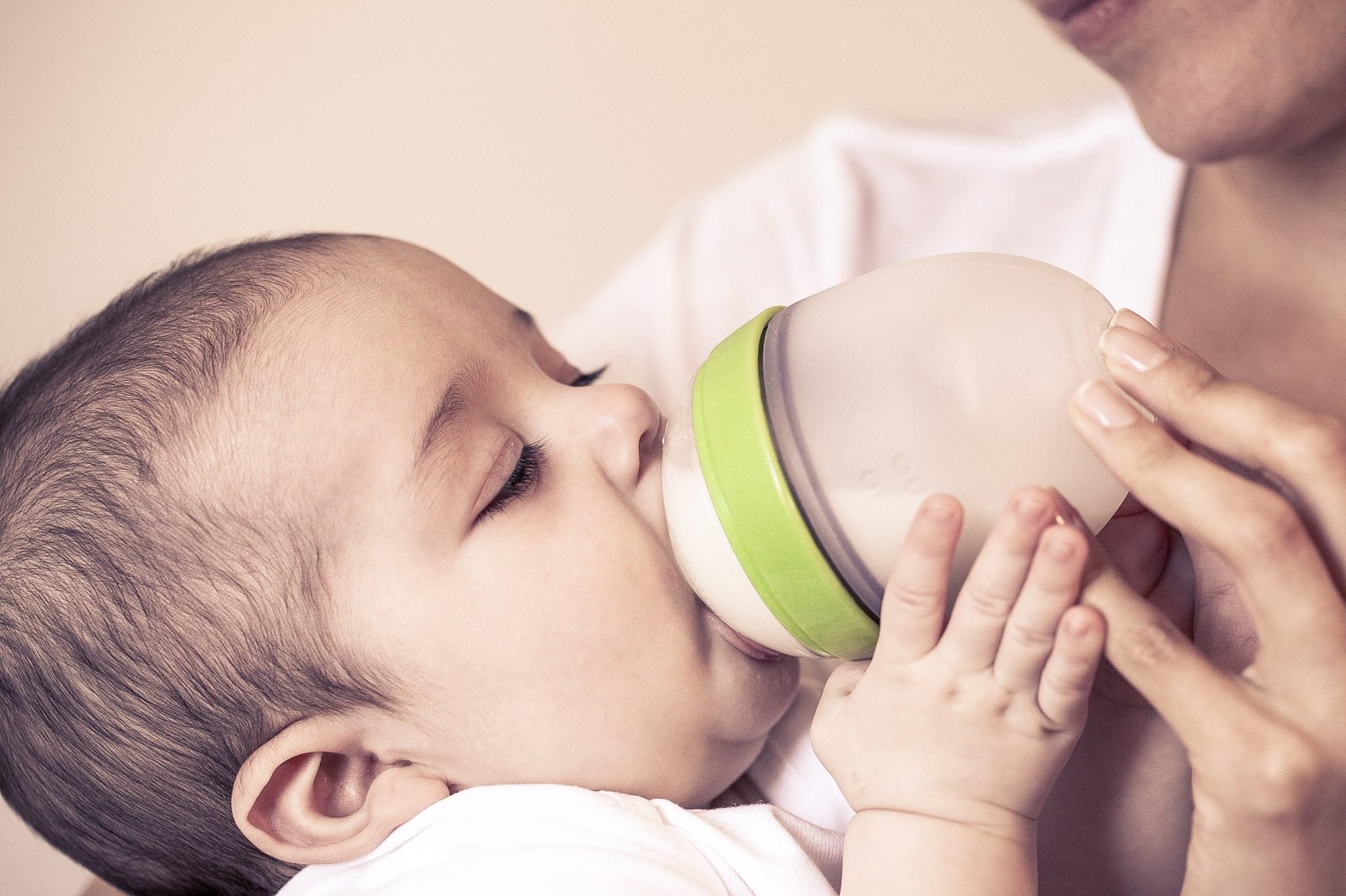 Como evitar la deshidratación de tu bebé este verano