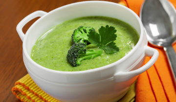 Puré de brócoli al vapor con quinua