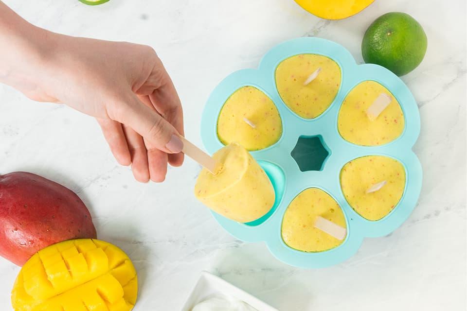 Paletas de Mango y Yogurt