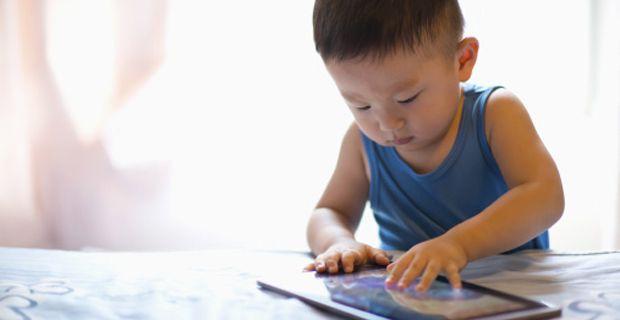 10 Razones para restringir el uso de celulares y tablets antes de los 12 años