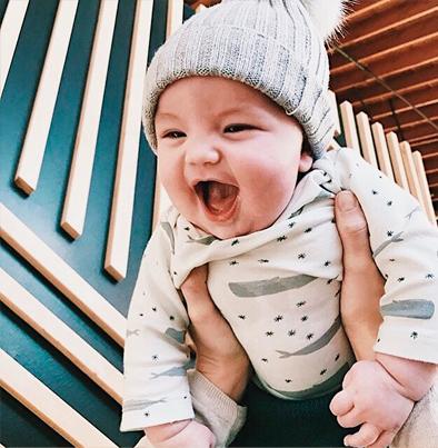como vestir bebe frio
