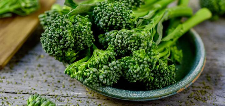 Pure de Brócoli con Zucchini y Manzana