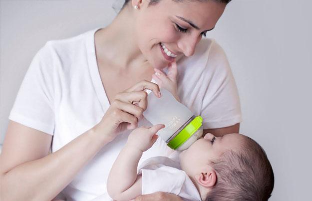 como saber bebe tiene hambre biberon