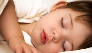 Cómo y cuándo quitar el pañal de la noche a los niños