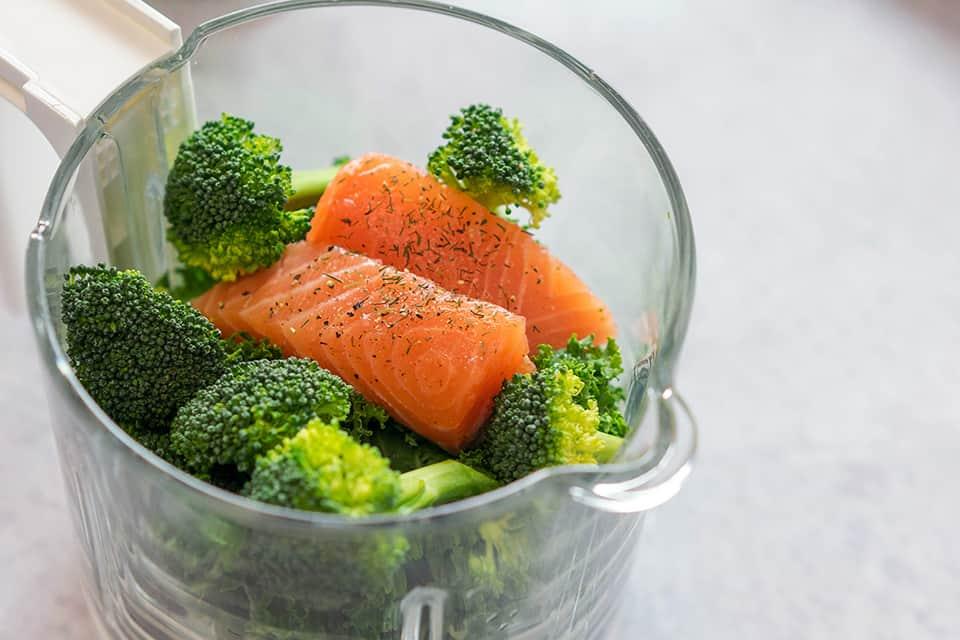 Pure de Brócoli con Col y Salmon
