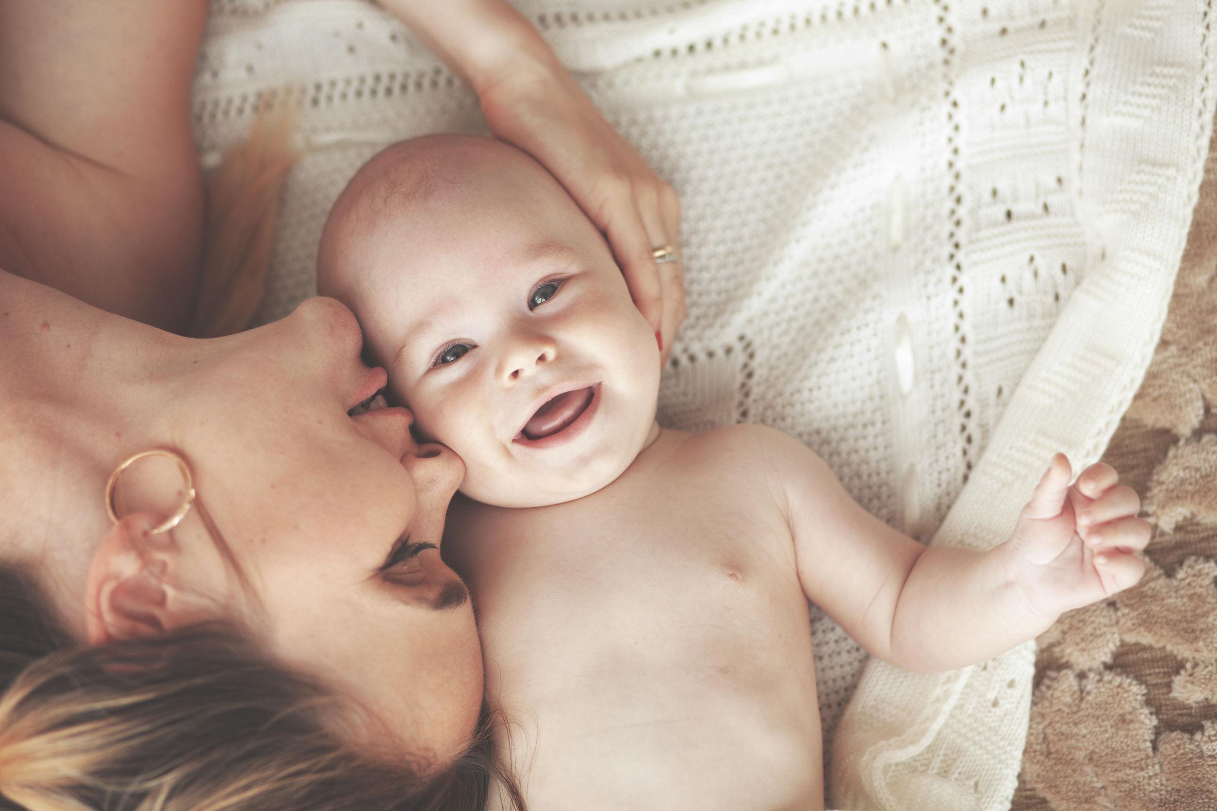 Desarrollo emocional y social del bebé