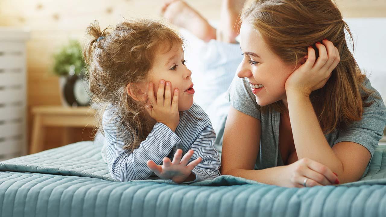 La importancia de la escucha activa en la crianza de tus hijos