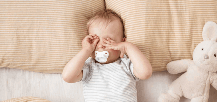 bebe duerme