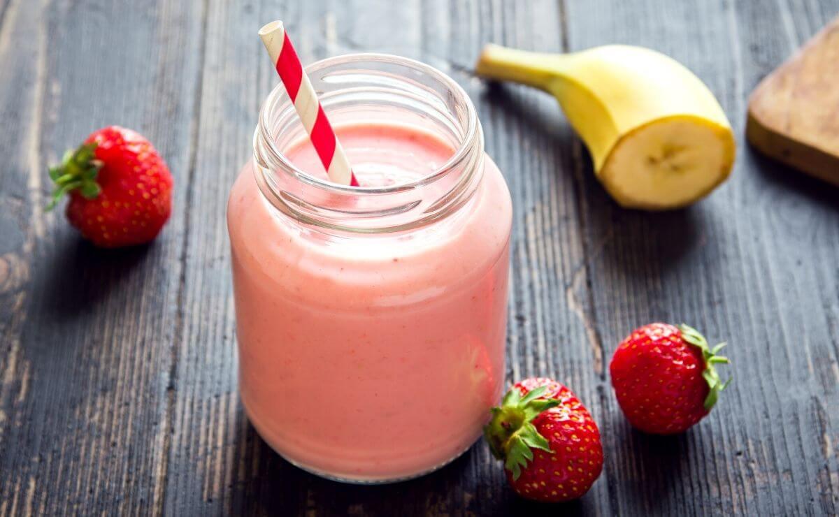 Batido de Yogurt con Fresas y Plátano