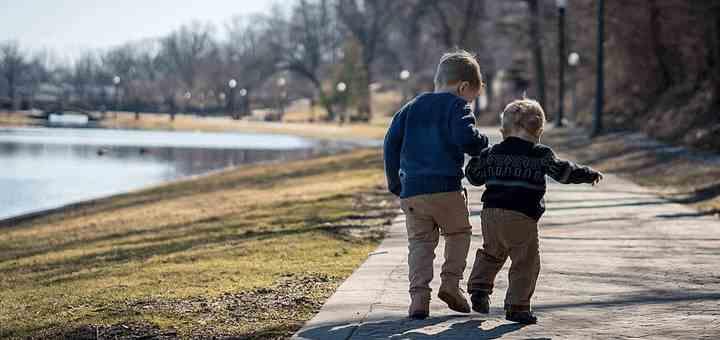 paseo hermanos